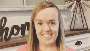Amber Johnston | Wiki, Bio, 7 Little Johnstons, Instagram, Net Worth, Realtor, Weight Loss, Age, Parents, Brother