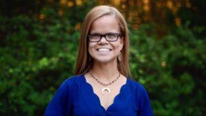 Anna Johnston | Wiki, Bio, Jewelry, Online Store, Net Worth, Age, 7 Little Johnstons, Boyfriend, Height, Instagram, College