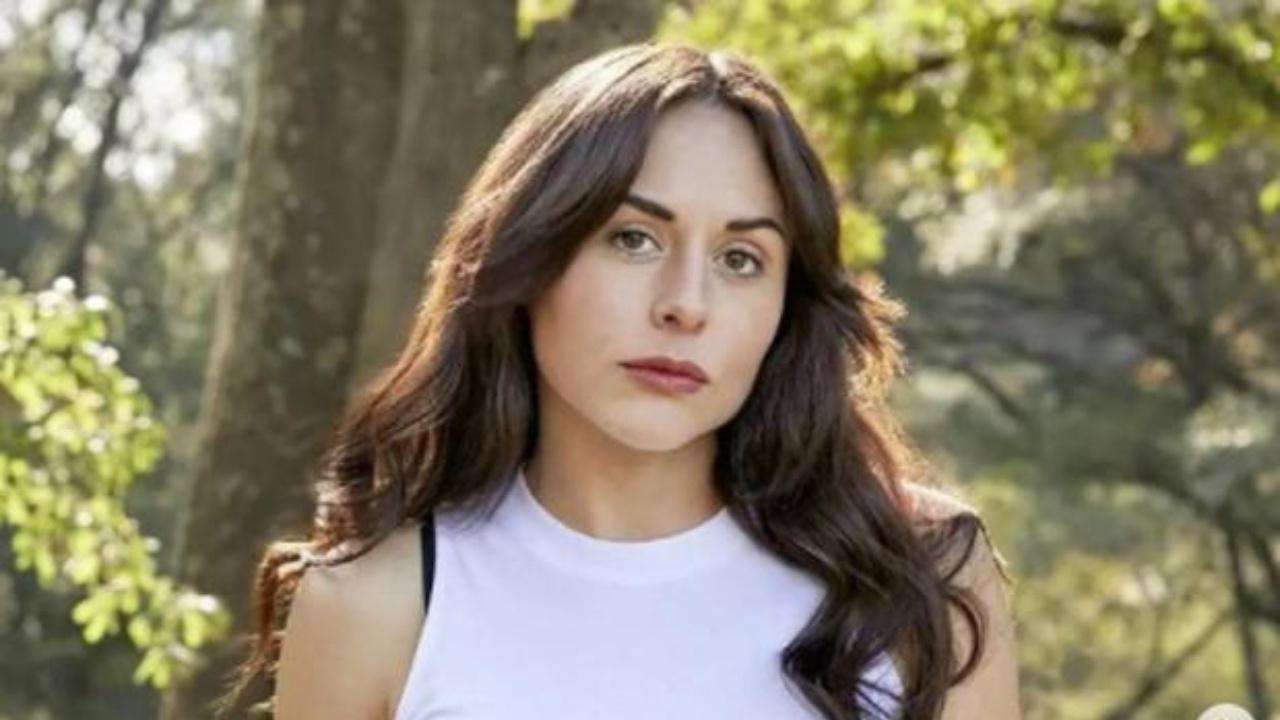Zuria Vega as Juana Manuela on The Five Juanas aka La Venganza de las Juanas.