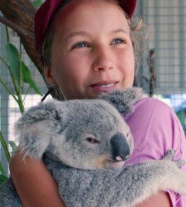 Izzy Bee | Izzy's Koala World, Family, Age, Instagram, Wiki, Bio, Father, Mother